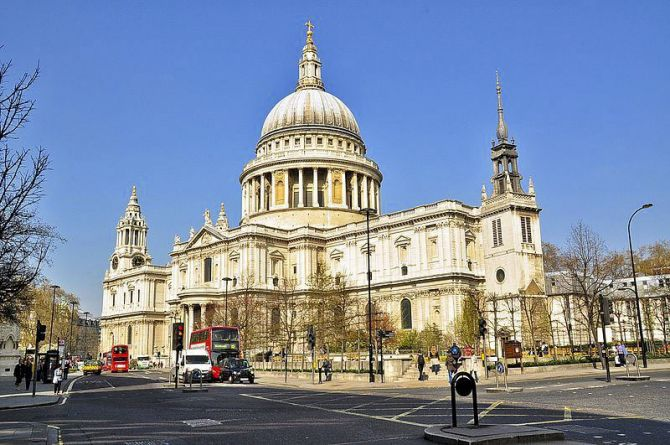 Five Experiences When Visiting London for the First Time St Paul's Cathedral